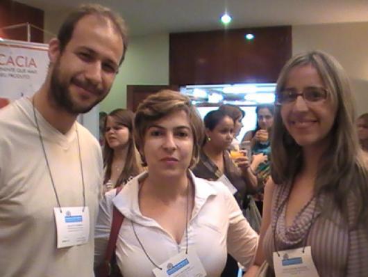 Renato P. Barbosa (Deffinis), Paula Machado (CRF-GO) e Aline A. de Oliveira (Biocap)