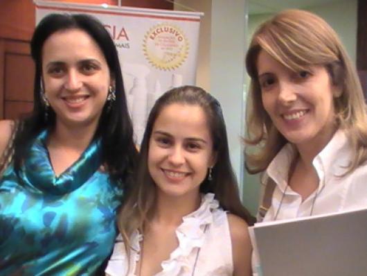 Lorena L. Inacio (Natuflores), Aline R. Ramos (Facinatus ) e Flávia Costa (Ellix Cosméticos), Membros da Comissão de Indústria Cosmética - CRF GO