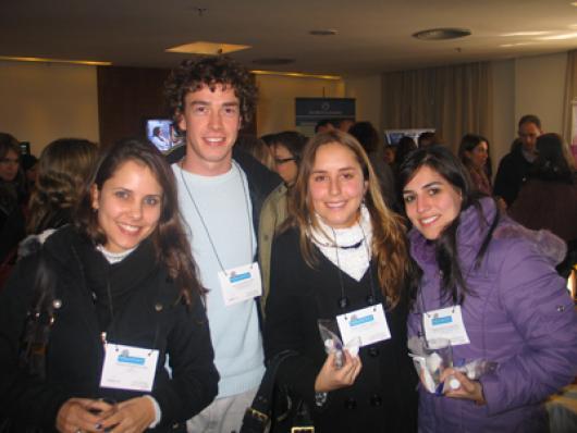 Debora S. Severo (UFRGS), Paulo Werkerle Neto (Lab. Saúde), Marina S. Campana (IPA), Desiree Q. Martins(Dose Certa)