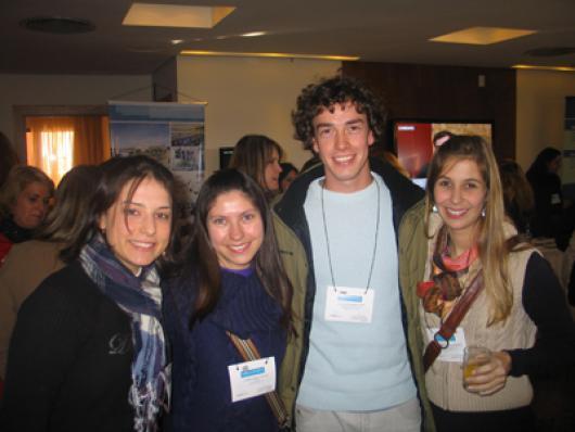 Stephania M. Schaefer, Vitoria Berg, Paulo Weckerle Neto e Clarissa C. Bettoni (Laboratório Saúde)