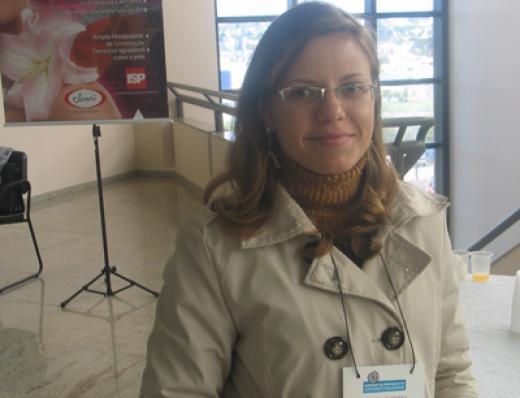 Bianca Farinhuka (Distribuidora Industrial Paranaense)