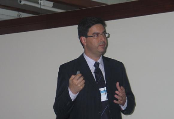 Ricardo Azzini (HallStar)