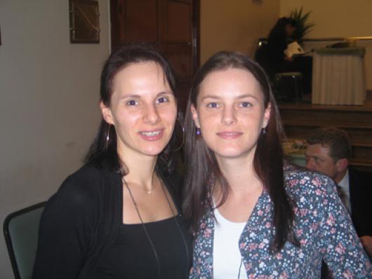 Eliane A. F. Kroth e Odete Follmann (Deffinis-Cosméticos)
