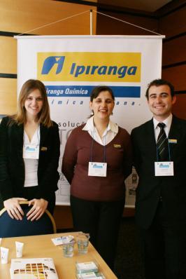 Hoda Nahas e equipe da Ipiranga