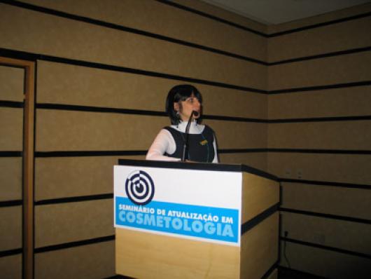Cíntia Gonçalves Baradel, da Ipiranga Química - Benefícios conferidos à Pele pelo uso da Tecnologia de Peptídeos Unipex (ex-Atrium Innovations) em Formulações Cosméticas