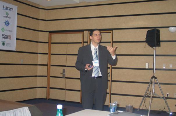 Nelson Perassinoto, da ISP - AchromaxylTM  - Ativo Botânico Clareador e Iluminador para Pele