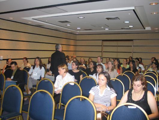 Palestra simultânea no mesmo evento - público com interesse específico.